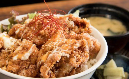 和食と豚みそ丼ちんばたのからあげ丼 ランチメニュー